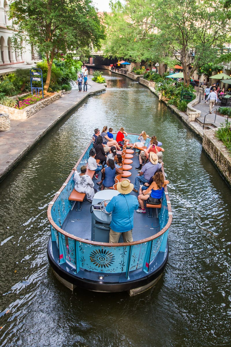 San Antonio River Walk, Texas. One of the best things to do in San Antonio. Click inside to learn more!