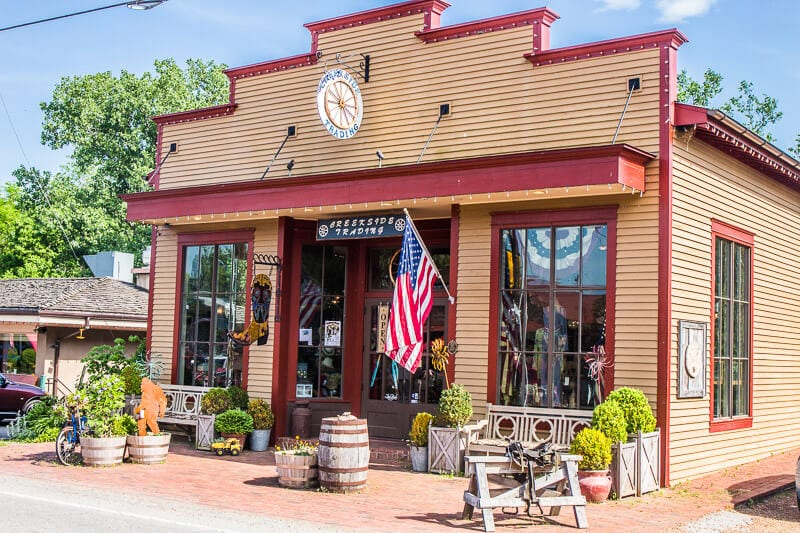 Creekside TRading Company Leipers Fork