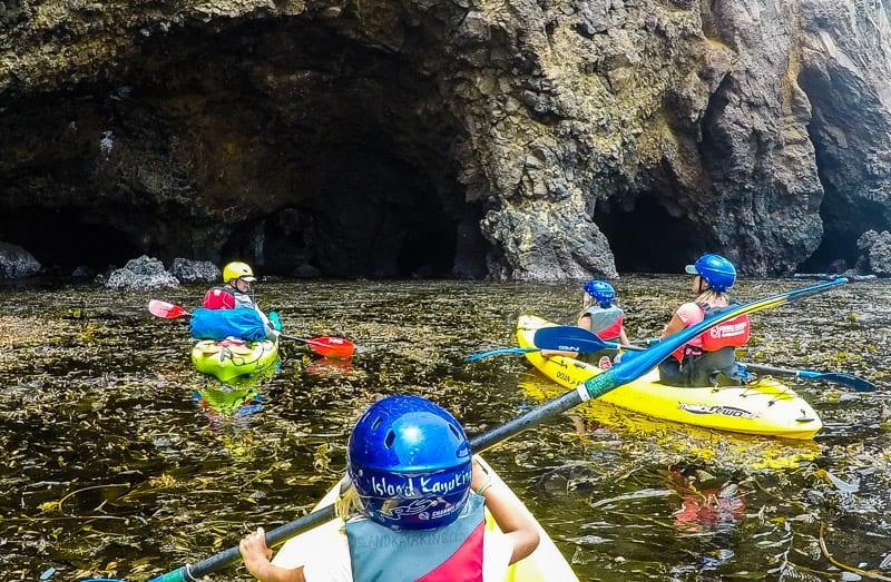 Kayak dans le parc national des Channel Islands, Californie