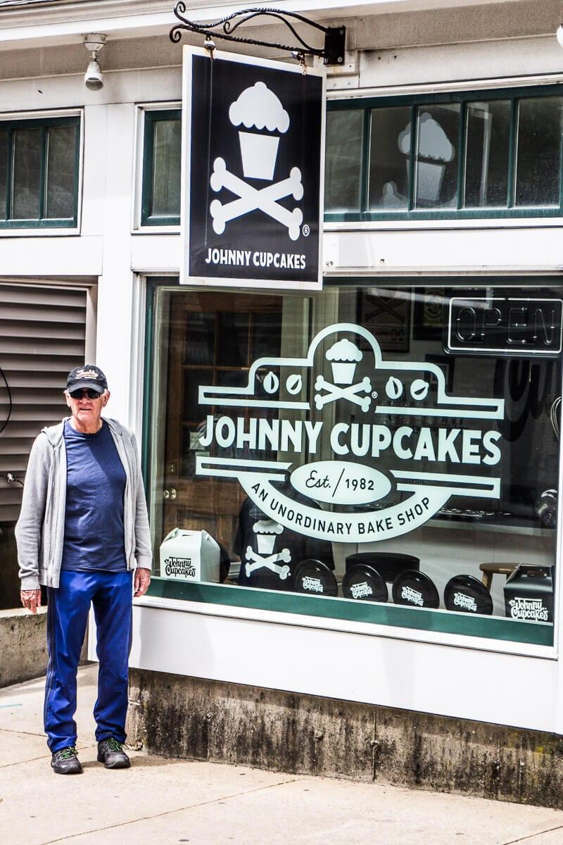 Johnny Cupcakes à Oak Bluffs