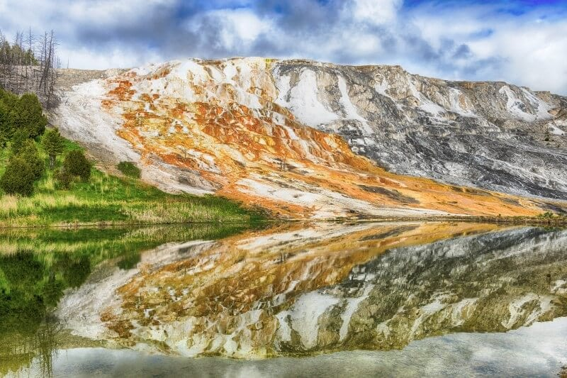 Mammoth Springs Yellowstone National Park (800 x 533)