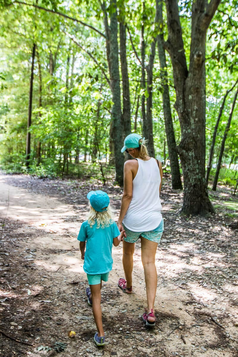 Columbia clothes for hiking with kids - click through to see more Columbia apparel and tips for what to wear for travel and leisure!