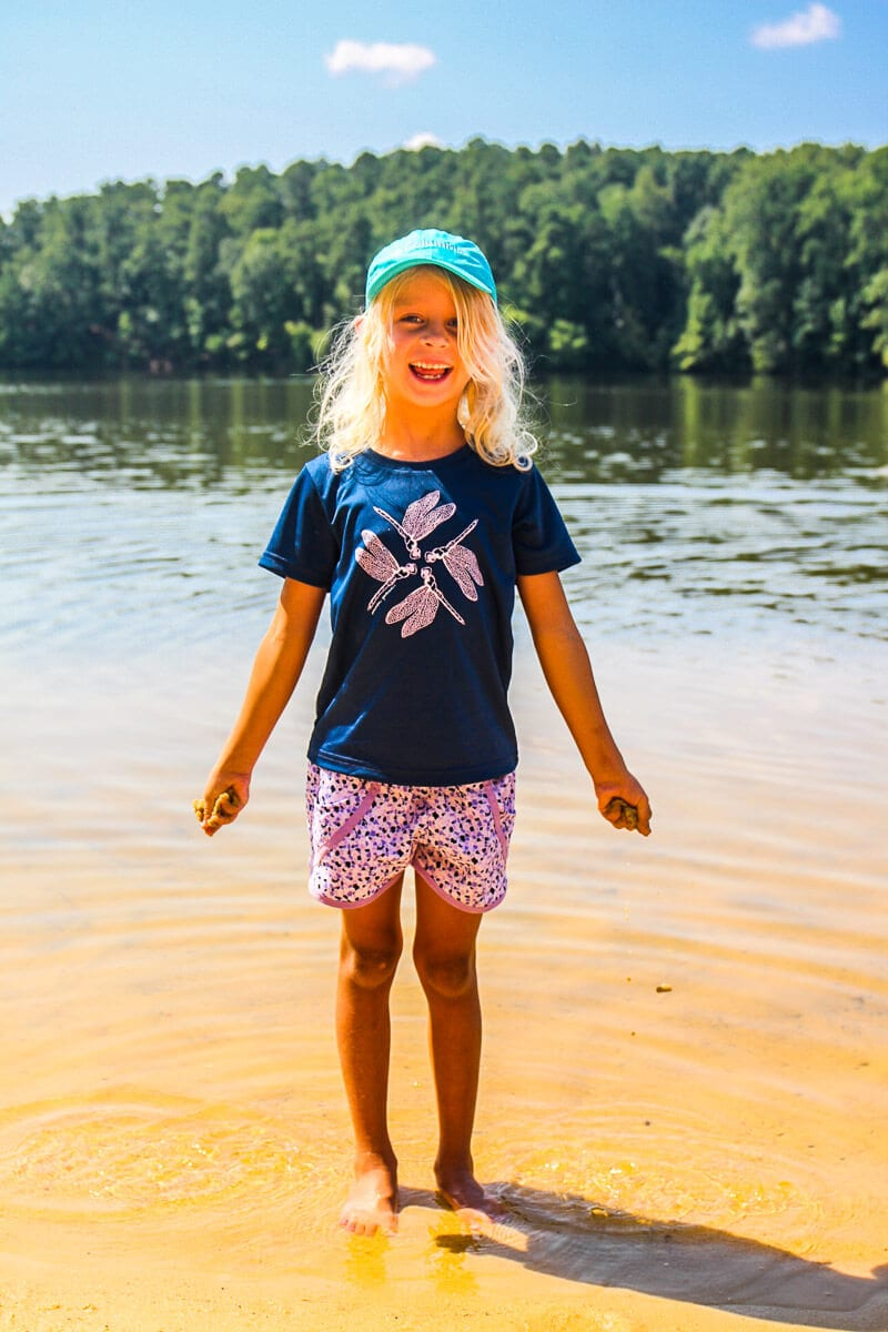 Columbia clothing for the lake or beach - click through to see more Columbia apparel and tips for what to wear for travel and leisure!