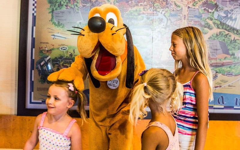 Disneyland Hotel Anaheim California characters (1)