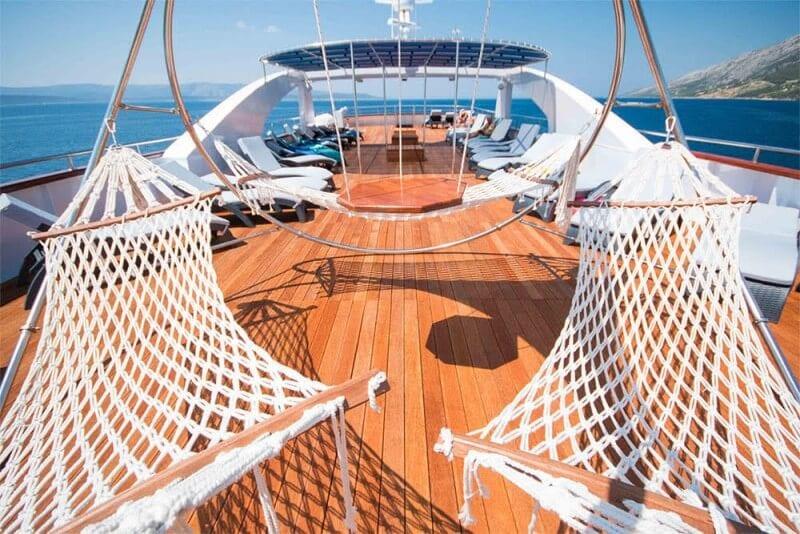 Croatia sailing and island hopping cruises (2)