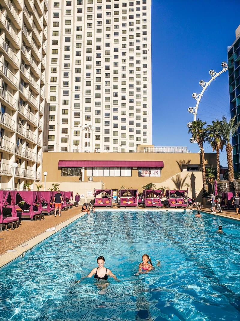 Pool at Harrah's Hotel in Las Vegas