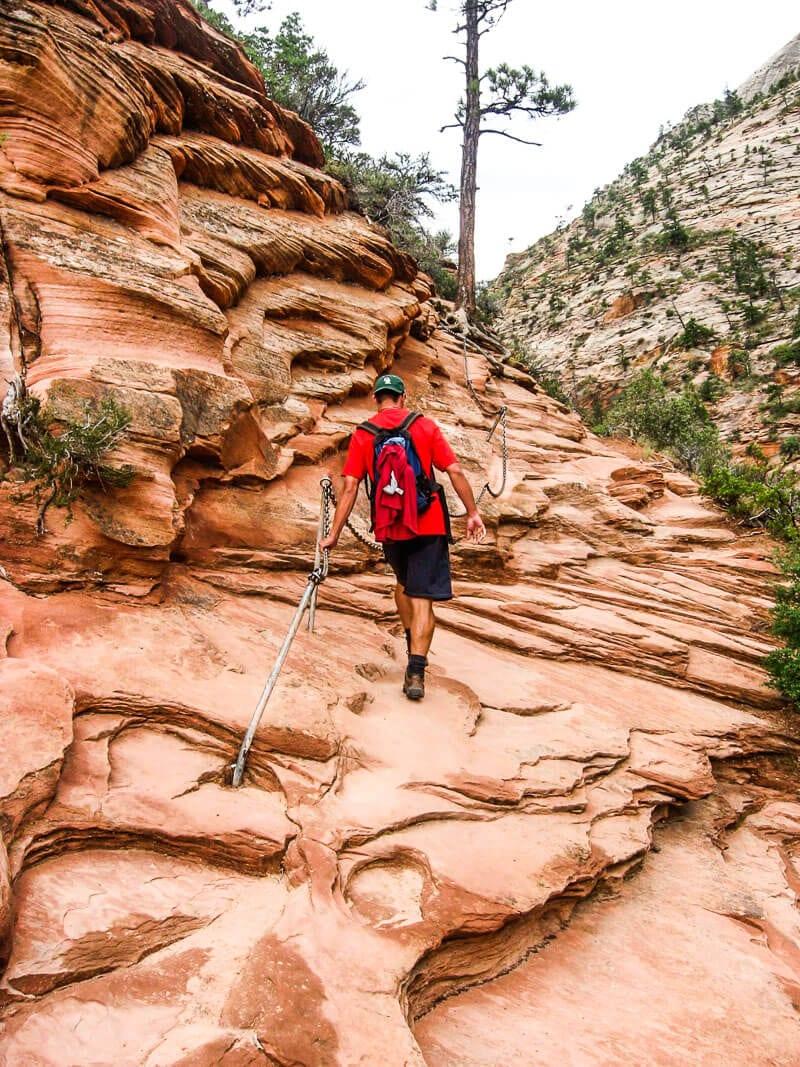 angels-landing-hike ▷ Comente sobre la Guía definitiva de cosas que hacer en el Parque Nacional Zion (por primera vez) por Rachel Rodda