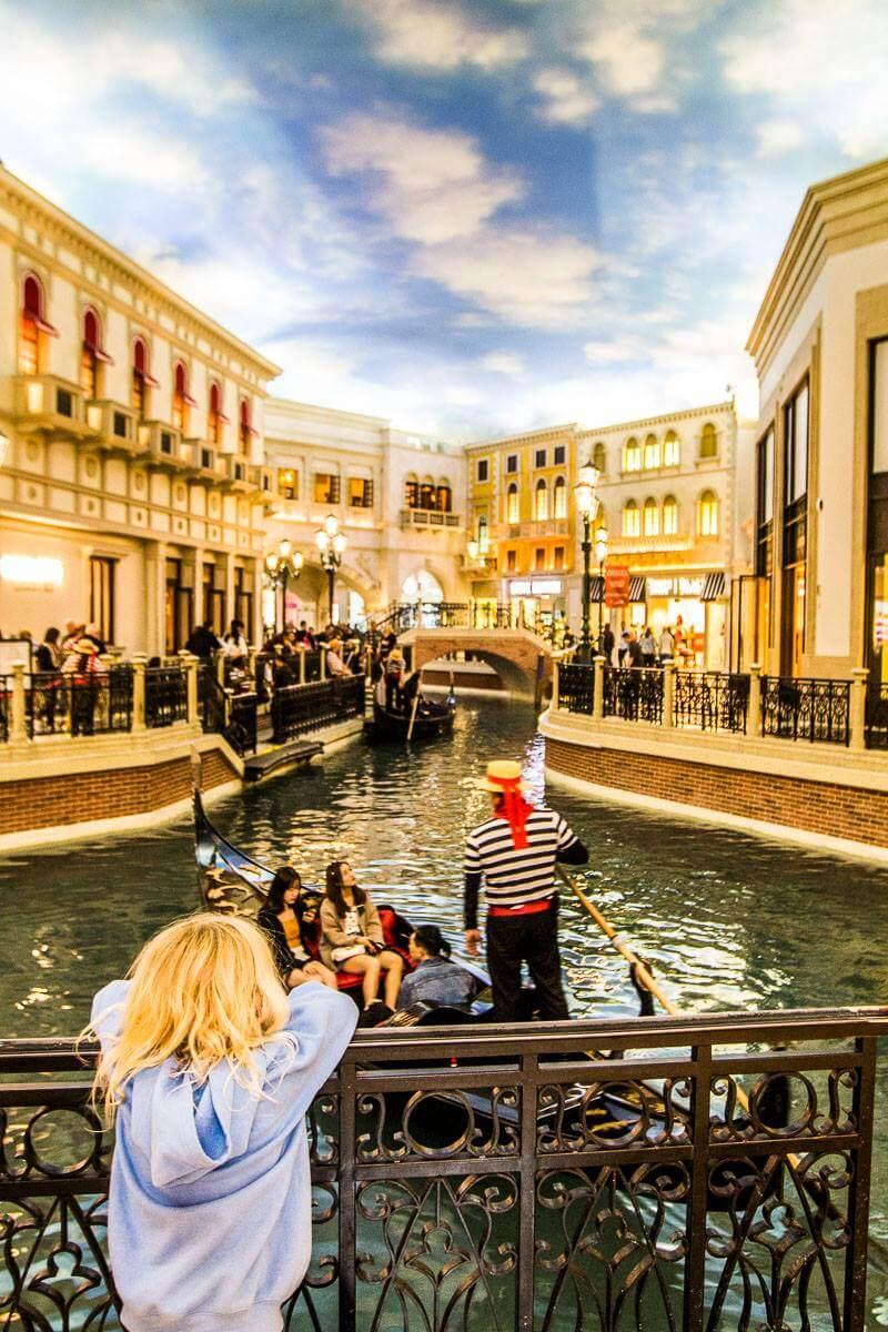 the-venetian-hotel-las-vegas ▷ Comente sobre cómo visitar Las Vegas con un presupuesto limitado - Consejos para ayudarlo a ahorrar dinero con cosas aventureras para hacer en Las Vegas para parejas | Viajeros divergentes
