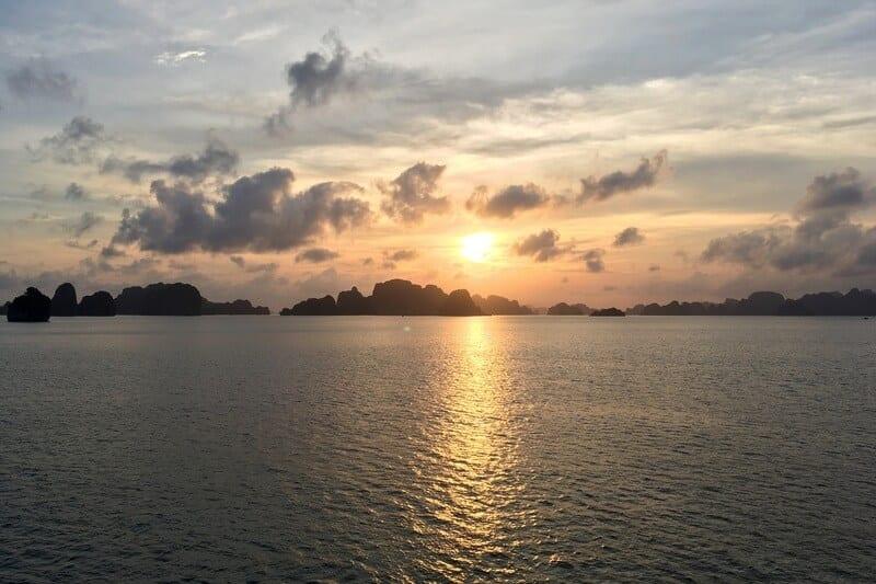 Bahía Bai Tu Long