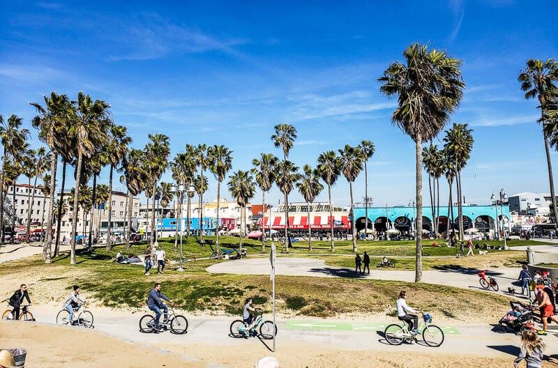 https://www.ytravelblog.com/wp-content/uploads/2019/10/where-to-stay-in-los-angeles.jpg