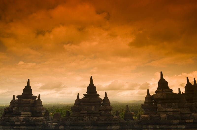 Borobodur ancient buddhist temple (800 x 531)