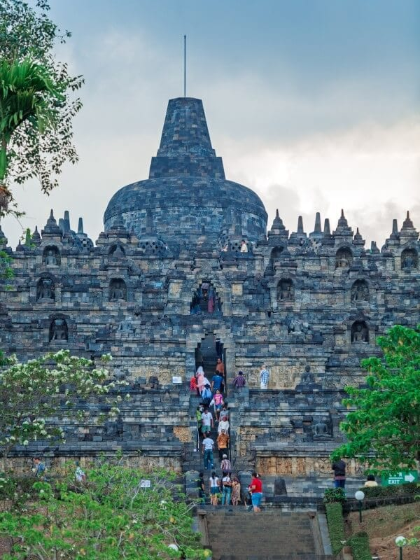 tours to Borobudur temple java