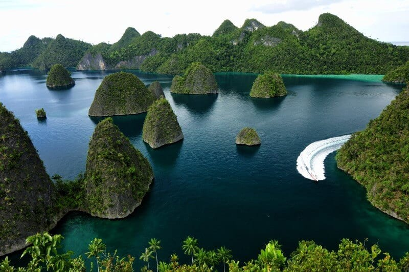 Raja Ampat Indonesia by Willy Priatmanto 2013 (1)