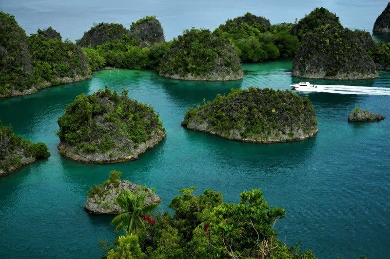 Raja Ampat Indonesia by Willy Priatmanto 2013 (2)