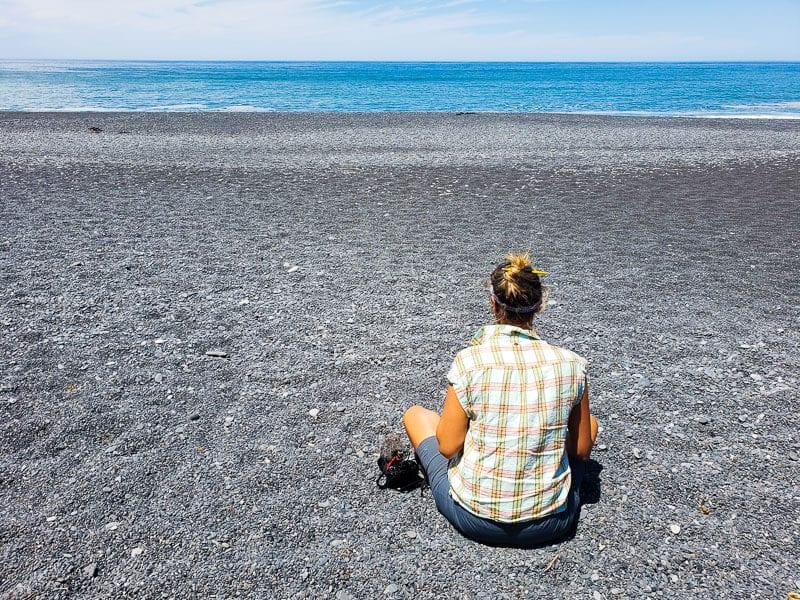 black sand beach lost coast road trip (1)