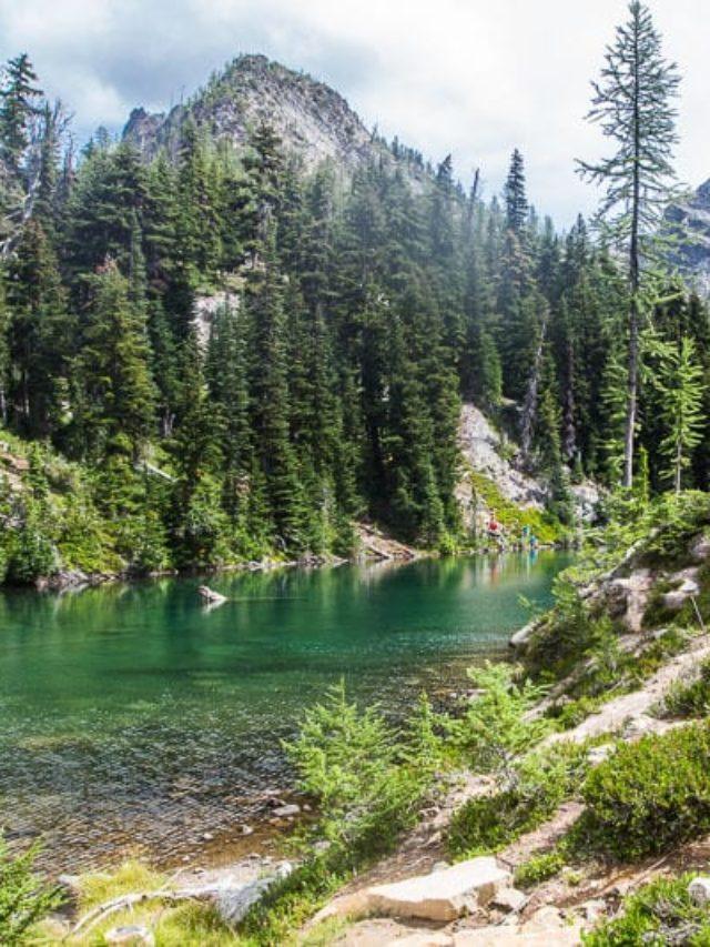 cropped-blue-lake-north-cascades-national-park-3.jpg