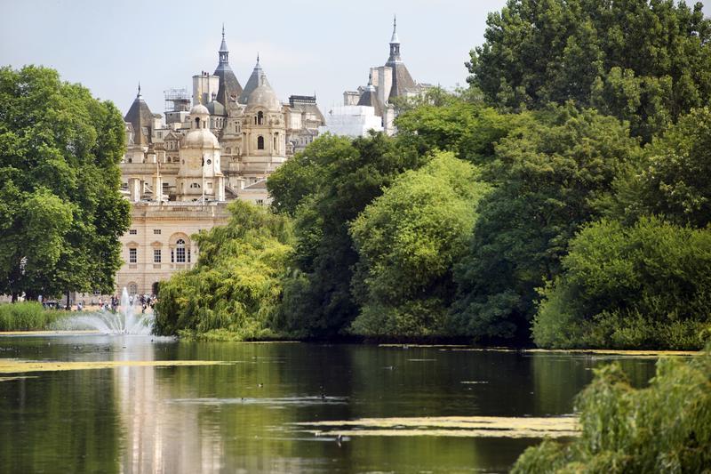 Saint James Parka and palace London