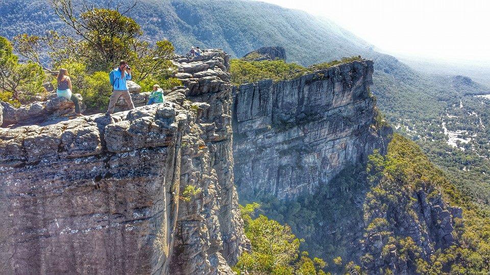 pinnacles hike grampians national park victoria australia