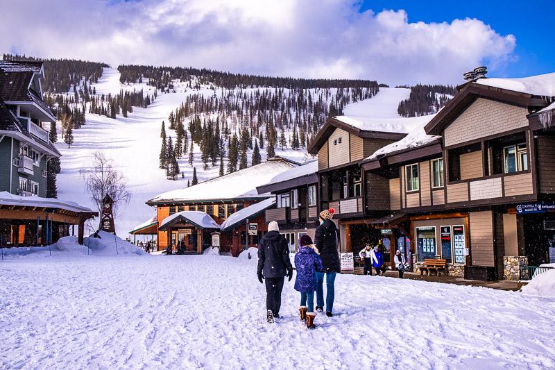 ski at schweitzer