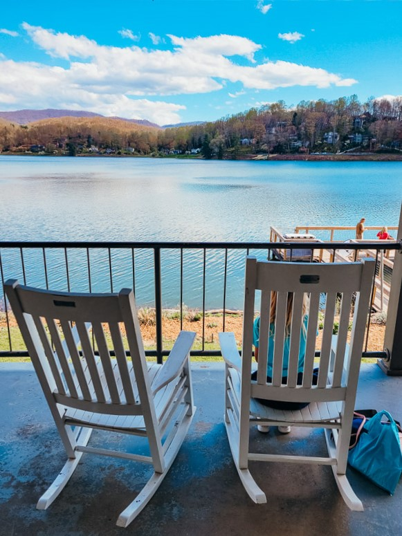 lakes in the north carolina mountains