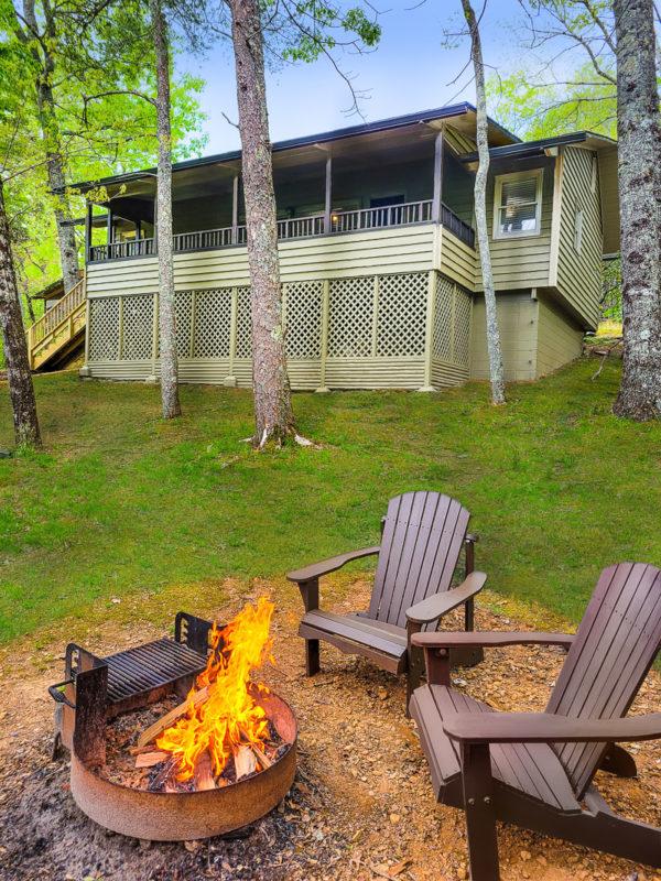 Cabin at Amicalola Falls State Park Lodge