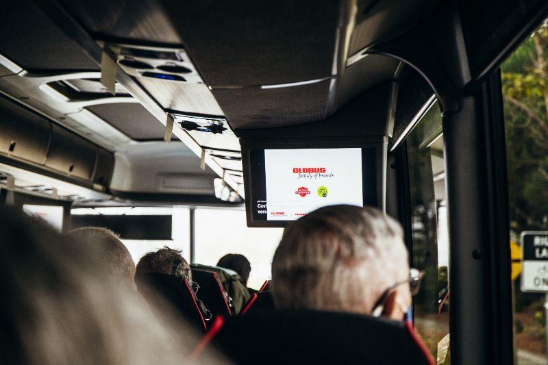 globus tour bus